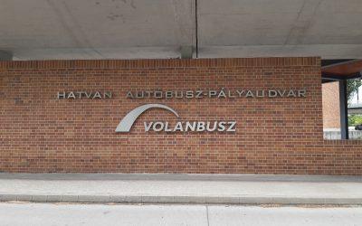 Tovább robog a Volánbusz új logója
